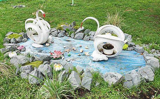 Декоративный пруд