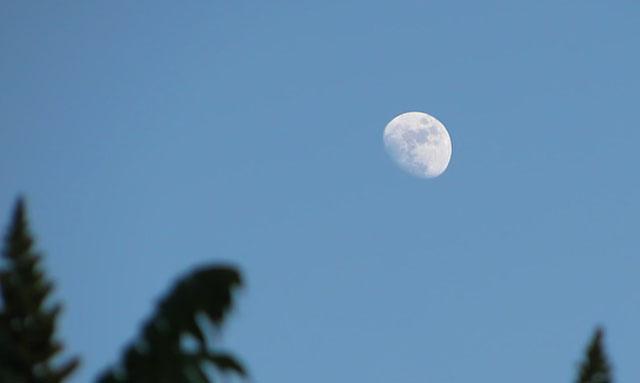 Растущая Луна во второй четверти