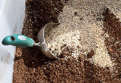 существуют разные рецепты самостоятельного изготовления почвенных смесей